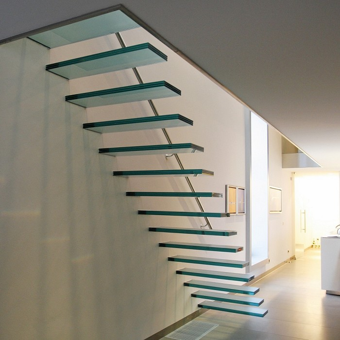 EeStairs   trappen en balustrades   EeStairs  Zwevende trappen   architectenweb nl