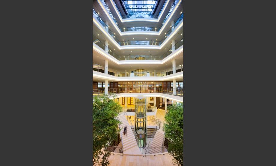Architectenbureau marcel van der schalk b v kpmg for Edha interieur b v