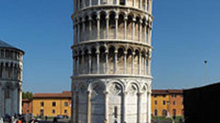 Ontwerper Toren Van Pisa.Pisa Begint Campagne Tegen Vulgaire Torens Architectenweb Nl