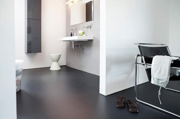 Gietvloer specialist drt gietvloeren urban velvet plus - Badkamer zwarte vloer ...