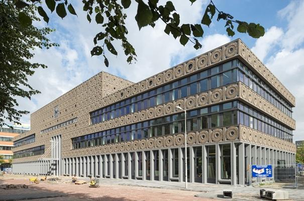 Brede school Het Meervoud opgeleverd - architectenweb.nl