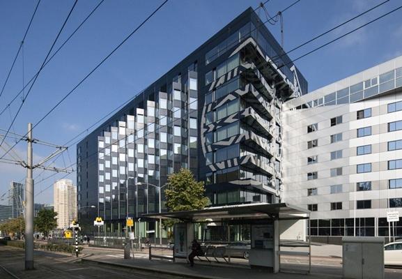 Mainport hotel rotterdam geopend for Mainport design hotel leuvehaven 77 rotterdam