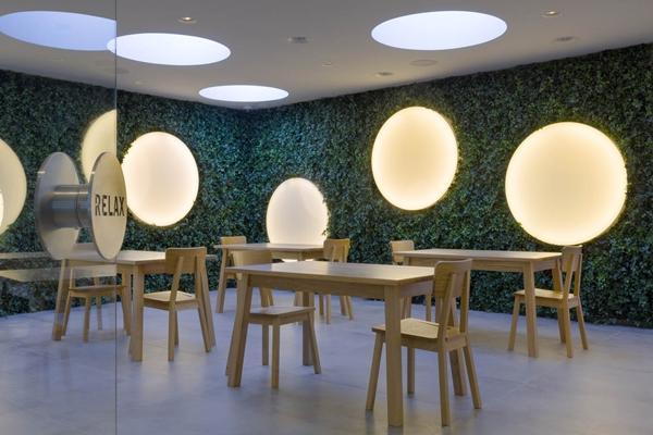 Coffeeshops met hallucinant interieur - architectenweb.nl