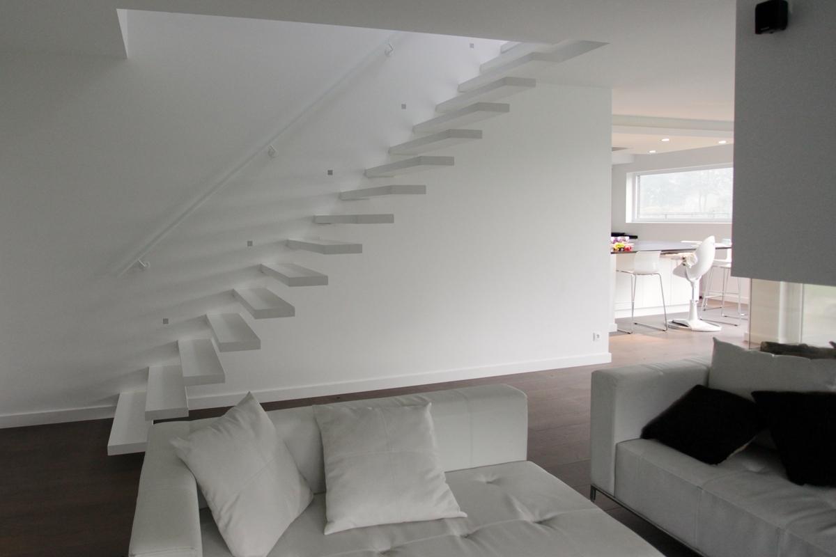 Prijs Zwevende Trap : Eestairs trappen en balustrades eestairs® zwevende trappen