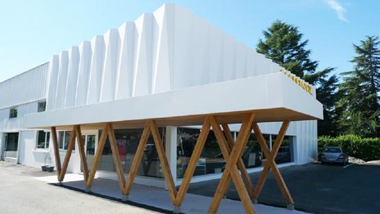 Alucobond huis aan de rand van het bos wettswil - Garage mercedes montrouge ...