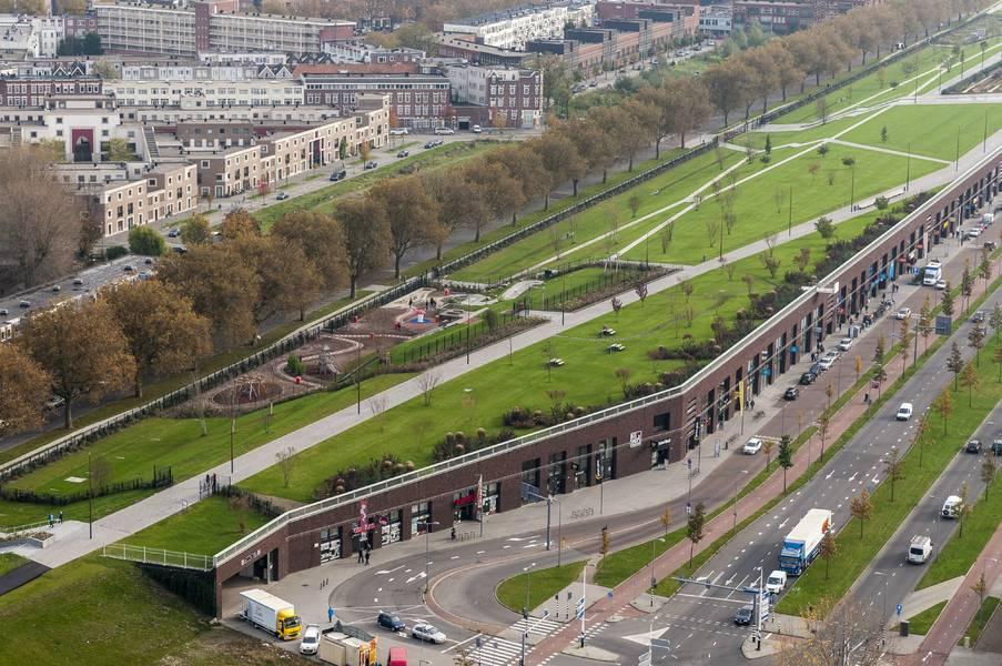 Rotterdam woningen op lloydpier en naast dakpark for Direct wonen rotterdam