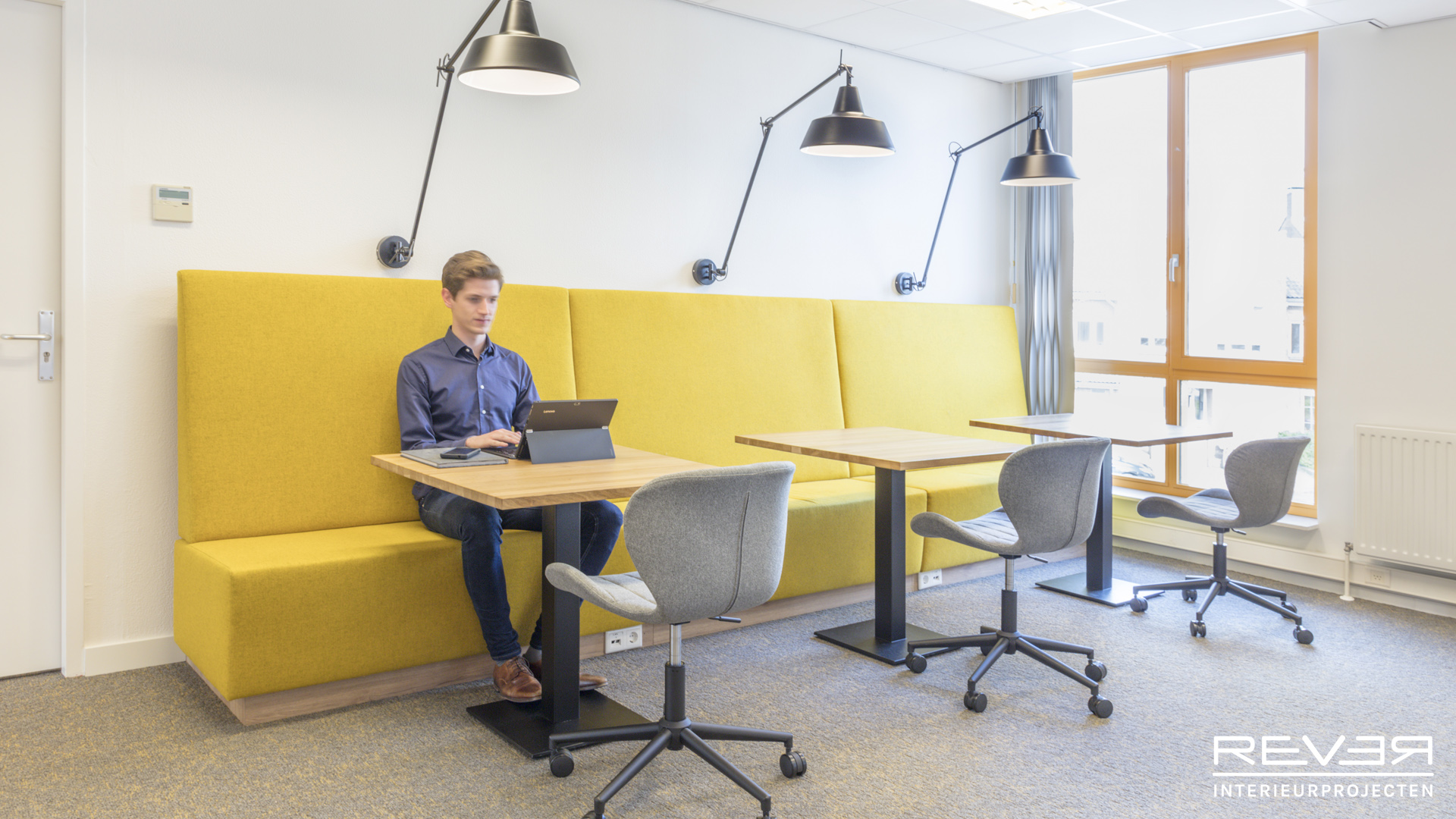 Rever interieurprojecten kantoor bureau jeugdzorg for Bureau jeugdzorg