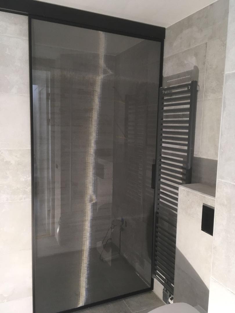 Noctum Interieurprojecten | glazen schuifdeur voor badkamer ...
