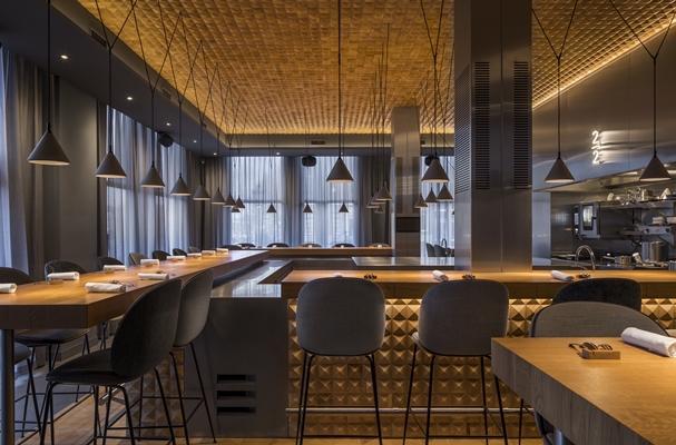 Zwevende Open Keuken : Eten aan open keuken in nieuw restaurant concrete architectenweb.nl