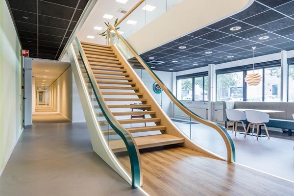 Van bruchem staircases moderne trap met led verlichting