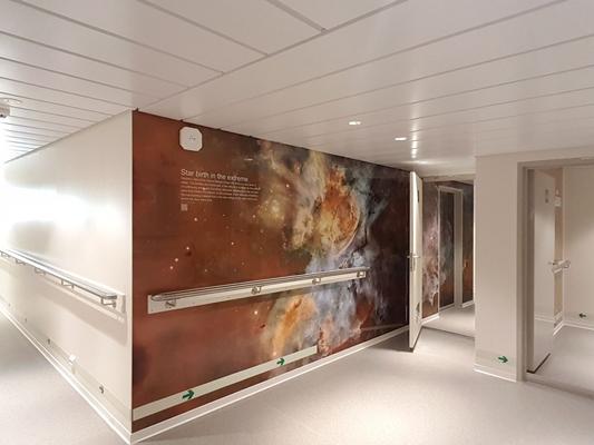 Blomsma print & sign interieurdecoratie en signing op schip acta