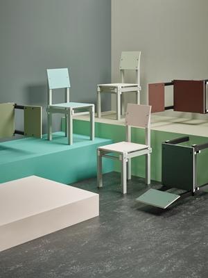 Bauhaus Look Stoelen.Military Chair Van Rietveld Met Nieuwe Look Op Ddw Architectenweb Nl