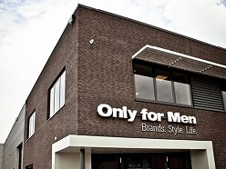 Bedrijfshal Only for Men